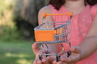 概念,智慧,概念和主题,自然,水平画幅,橙色,顾客,购物车,拿着,女孩
