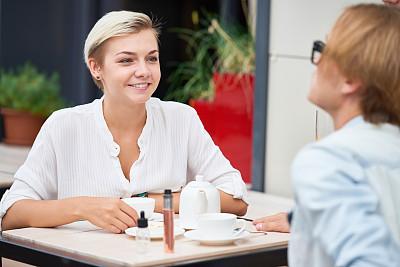 咖啡馆,时间,露天咖啡馆,美,休闲活动,水平画幅,美人,伴侣,户外,咖啡