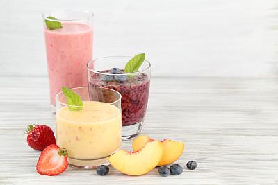 沙冰,早餐,水平画幅,无人,桃,玻璃杯,果汁,草莓,蓝莓,混合饮料