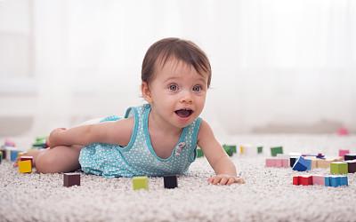 婴儿,注视镜头,娱乐室,人类消化系统,幼儿园,张着嘴,人的嘴,腹腔,知识,纯洁