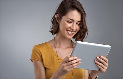 三维图形,公亩,平衡,平板电脑,电子邮件,白人,计算机软件,仅成年人,现代,青年人