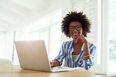 理想化的,全部,新创企业,休闲活动,电子邮件,周末活动,非裔美国人,仅成年人,眼镜,现代