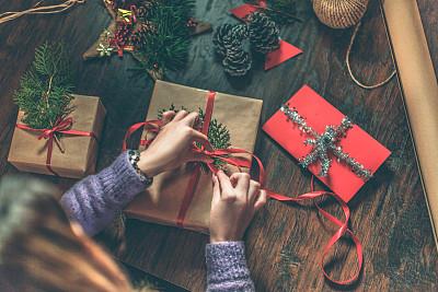 圣诞礼物,公亩,裹住,有包装的,包装纸,礼物,剪刀,水平画幅,高视角