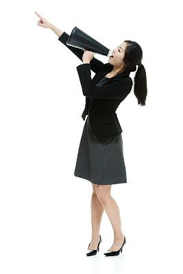 扩音器,女商人,举起手,张开手臂,垂直画幅,高跟鞋,不看镜头,仅成年人,青年人,商务