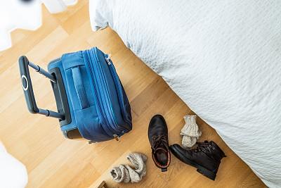 靴子,储蓄,茶水间,手提箱,卧室,袜子,床,水平画幅,木制,无人