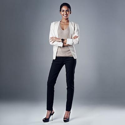 商务,个性,全身像,印度人,女商人,骄傲,影棚拍摄,信心,双臂交叉,肖像