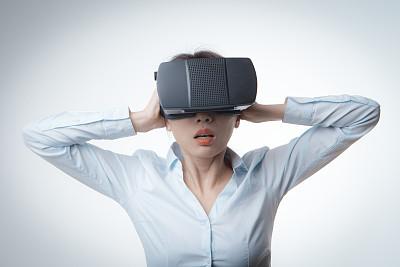 虚拟现实模拟器,马尾,美,未来,胸部,水平画幅,美人,科学,套装,仅成年人