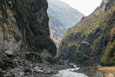安娜普娜环线,经幡,安娜普娜山脉群峰,尼泊尔,喜马拉雅山脉,瀑布,无人,户外,城市,水平画幅