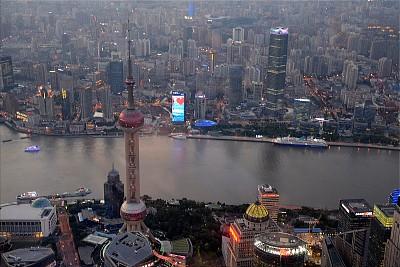 观测点,全景,摄像机拍摄角度,上海中心大厦,后现代,黄浦江,东方明珠塔,上海,未来,水平画幅