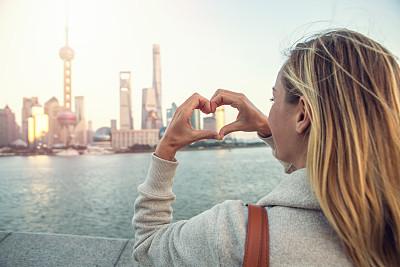上海,青年女人,爱的,手指框,黄浦江,外滩,浦东,天空,旅行者,滨水
