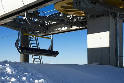 滑雪场,装饰雪,滑雪缆车,滑雪坡,滑雪运动,天空,留白,水平画幅,形状,山