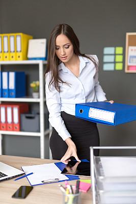 忙碌,办公室,白昼,垂直画幅,留白,饮料,新创企业,文档,经理,仅成年人