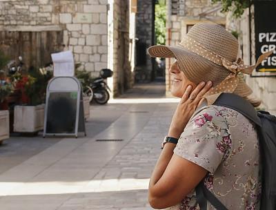 旅行者,地中海,自然美,城镇,赫瓦尔,克罗地亚,达尔马提亚地区,仅老年女人,真实的人,平和