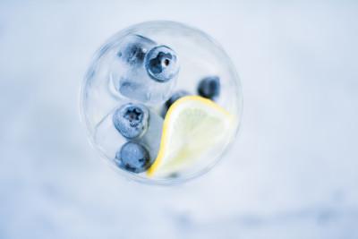 柠檬苏打水,饮料,蓝莓,饮用水,夏天,冰,精神振作,宁静,开胃酒,潘契酒
