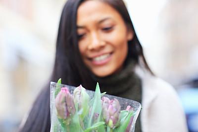 花束,赫尔辛堡,斯堪尼,瑞典,厄勒海峡地区,橱窗展示,购物狂,休闲活动,仅一个青年女人