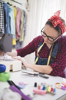 缝纫机,裁缝,职业,调音师,纺织工业,格子花纹,计量器,垂直画幅,留白,纺织品