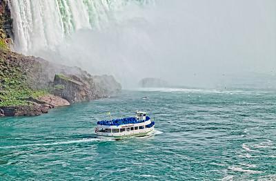 雾中少女号,尼亚加拉瀑布,观光船,旅游目的地,水平画幅,瀑布,旅行者,著名自然景观,加拿大,著名景点