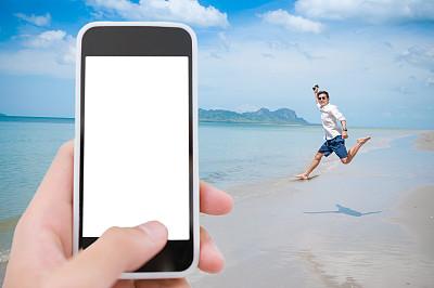 笔记本电脑,男商人,海滩,背景聚焦,水平画幅,旅行者,夏天,户外,泰国,仅男人