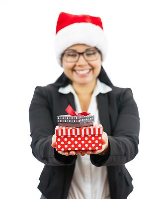 圣诞礼物,商务,黑发,垂直画幅,圣诞帽,半身像,套装,白人,仅成年人