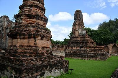 泰国,马哈泰寺,华富里,帕达哈利奔猜寺,玛哈泰寺,罗布里省,高棉文明,佛塔,当地著名景点,天空
