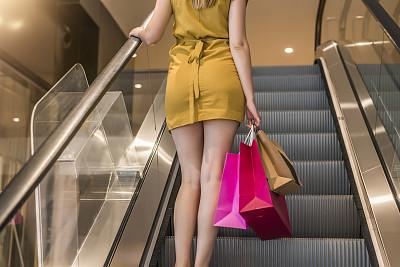 商店,水滴,电动扶梯,腿,购物中心,楼梯,青少年,四肢,顾客,夏天