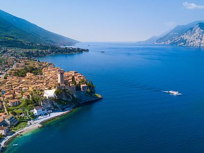 马尔策辛省,加尔达湖,航拍视角,意大利,特伦蒂诺,威尼托大区,水,水平画幅,高视角,无人