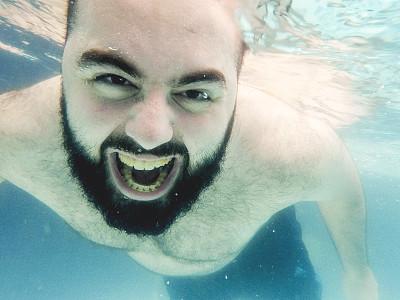游泳池,青年男人,正面视角,水,水下,健康,夏天,男性,青年人,运动