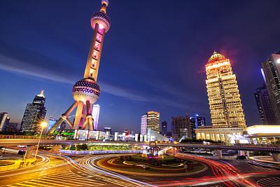 陆家嘴,上海,夜晚,黄浦江,东方明珠塔,外滩,黄浦区,戏剧性的天空,多云,浦东