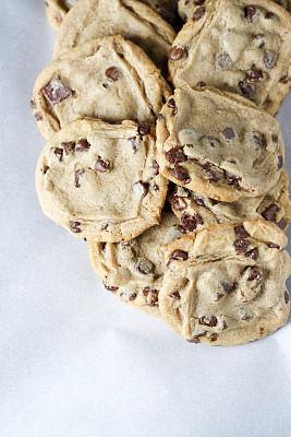 巧克力脆饼,巧克力脆片,偏好,垂直画幅,饼干,留白,美国,无人,不健康食物,小吃