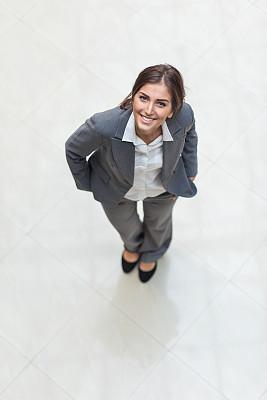女商人,向上看,正式商务服装,机遇,职权,衬衫,人力资源,保加利亚,女性特质,垂直画幅
