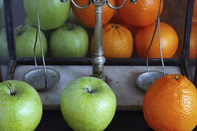 橙子,比较,苹果,偏见,古董,水平画幅,无人,古老的,古典式,秤