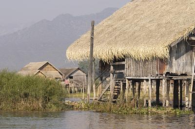 高跷屋,高跷,茵丽湖,茅屋屋顶,留白,缅甸,宁静,水平画幅,木制,无人