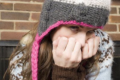 害羞,青年女人,未塞进的,青少年,咖啡店,休闲活动,周末活动,南欧血统,青年人,彩色图片