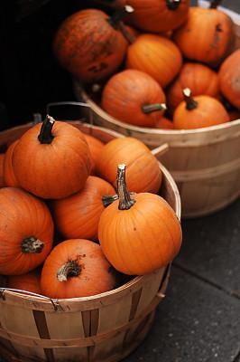 南瓜,篮子,垂直画幅,选择对焦,橙色,秋天,无人,有机食品,生食,农产品市场