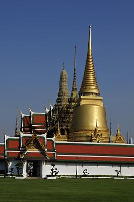 玉佛寺,垂直画幅,天空,灵性,黄金,建筑,无人,蓝色,僧院,泰国