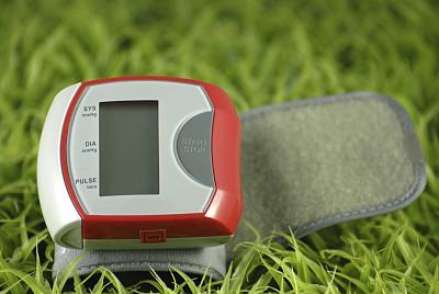 血压计,绿色,水平画幅,情绪压力,草,特写,量表,数字化显示,耐性,彩色图片