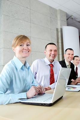 办公室,商务会议,现代,垂直画幅,套装,男商人,男性,青年人,彩色图片,信心