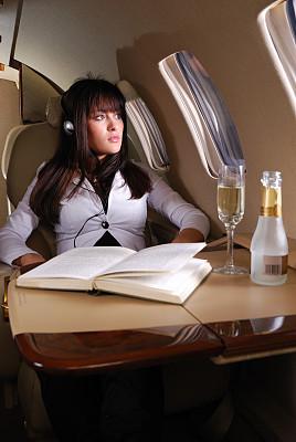 商务机,私人飞机,垂直画幅,葡萄酒,含酒精饮料,饮料,交通方式,香槟,图像,经理