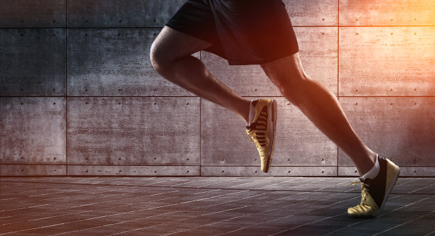 慢跑勾当鞋图片