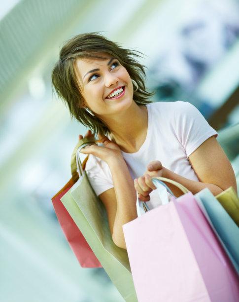 拿着,购物袋,注视镜头,青年女人,垂直画幅,美,女人,可爱的,快乐