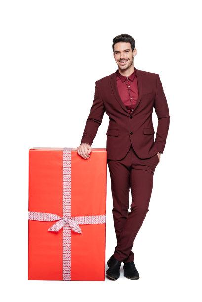 包装纸,垂直画幅,注视镜头,巨大的,盒子,电子商务,套装,生日,仅男人