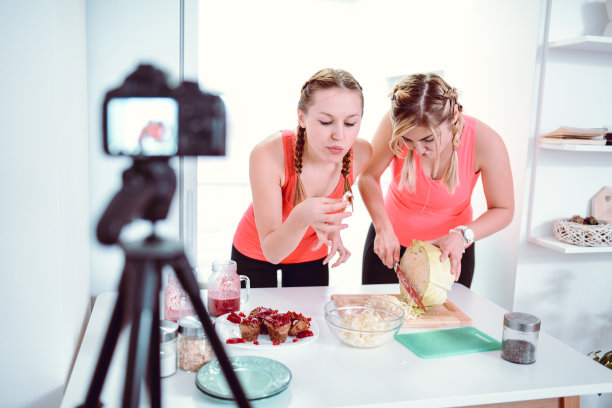 可爱的,健康食物,两个人,女孩,留白,健康,青年人,相机,运动,技术