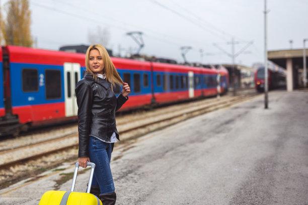 女人,火车,等,男性美,商务,留白,旅行者,女强人,仅成年人,地铁