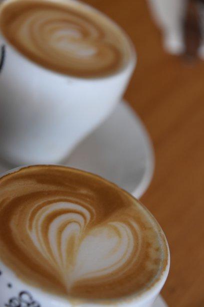 餐馆,卡布奇诺咖啡,垂直画幅,美,咖啡馆,咖啡店,桌子,无人,工间休息,木制
