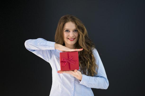 圣诞礼物,幸福,青年女人,水平画幅,情人节,盒子,生日,30岁到34岁,白人