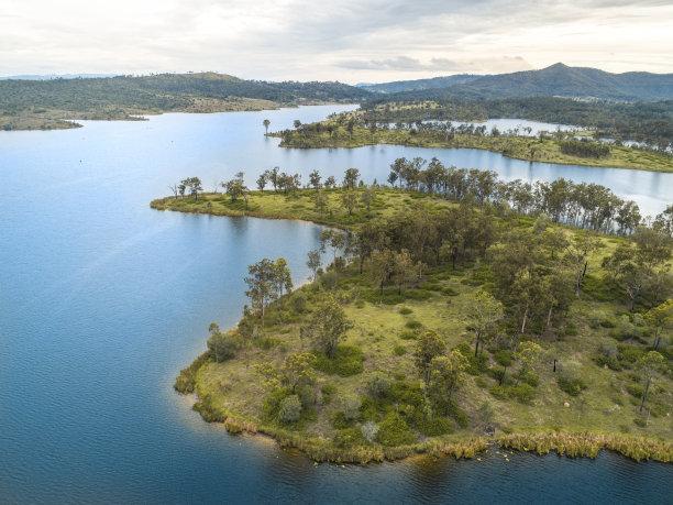 岛,海洋,航拍视角,平衡折角灯,森林,水,水平画幅,高视角,沙子,无人