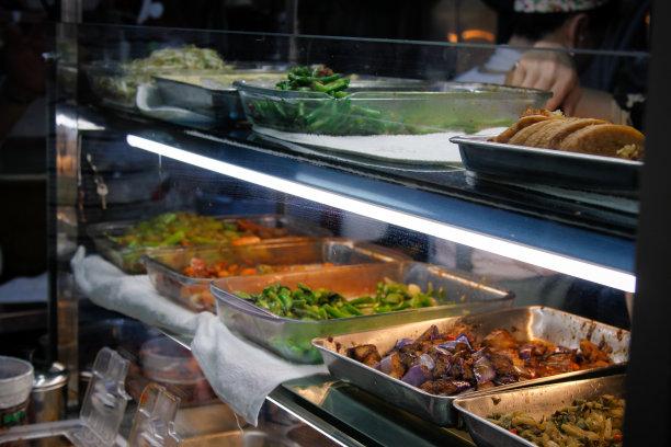 街头食品,快餐车,春卷,甘蔗,自助餐,蘸料,十字花科,开胃酱,萝卜,肉制品
