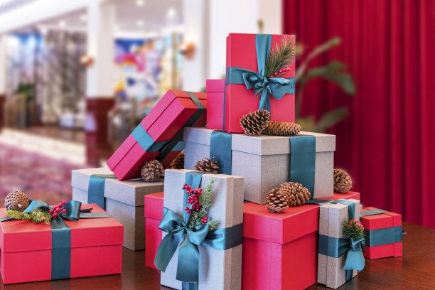 包装纸,生日礼物,圣诞礼物,三维图形,新年前夕,圣诞装饰,圣诞装饰物,惊奇,缎带,蝴蝶结