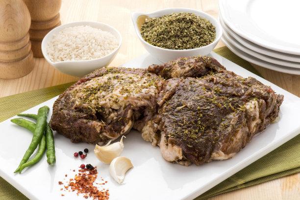 盘子,羊肉,炊具,熟的,格子烤肉,绿胡椒子,水平画幅,无人,生食,特写