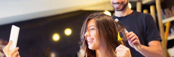 女人,发型屋,自拍,梳子,顾客,仅成年人,吹干头发,现代,青年人,专业人员